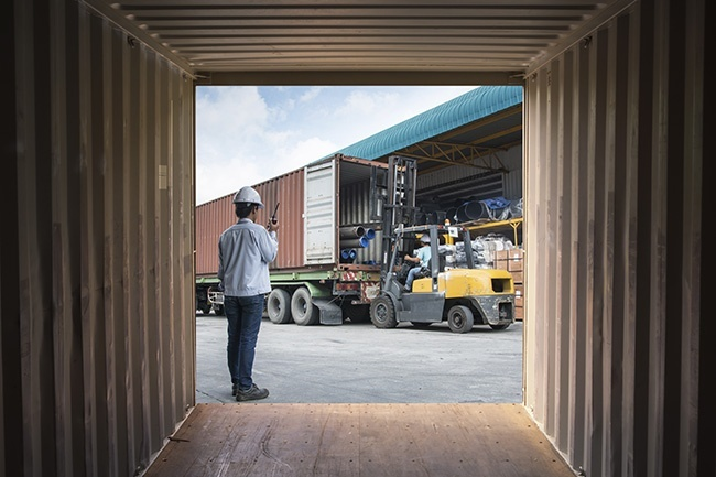 Four Helpful Safety Tips for Operating Within a Truck Yard